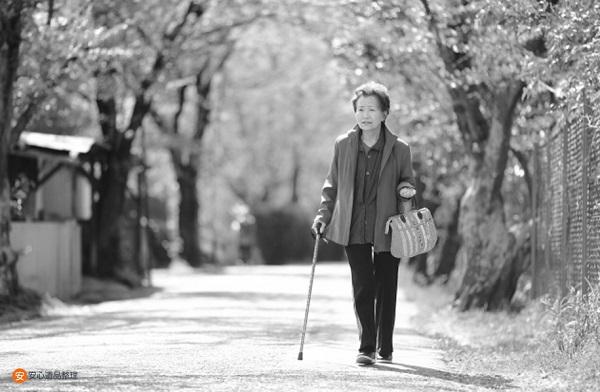 散歩するは母親